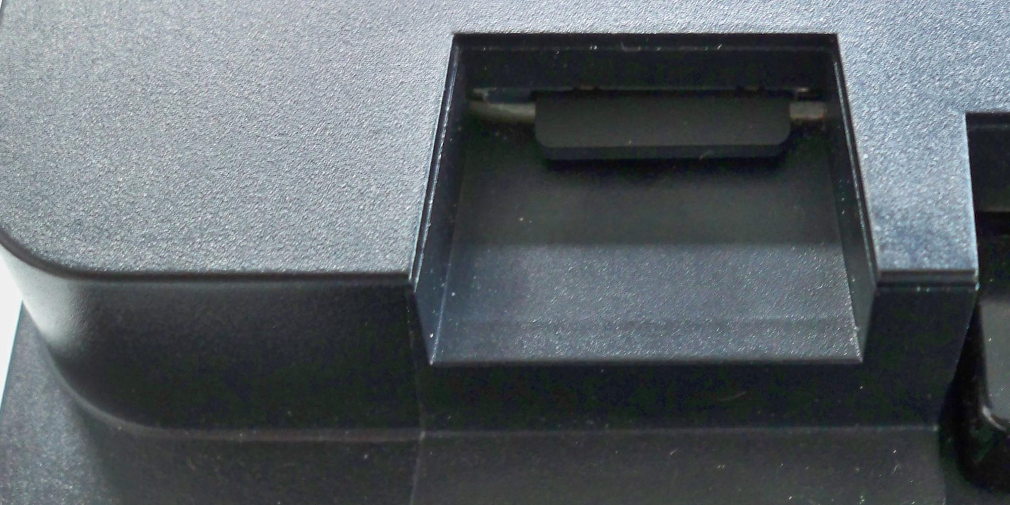 ALAN Schritt für Schritt: Schacht mit arretierter µSD-Karte an BRAIN (Bild 2)